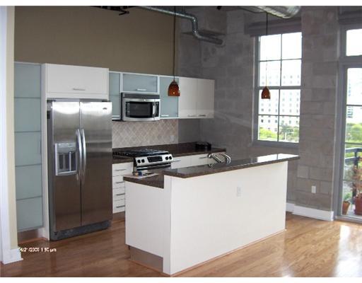 Mills Lofts Fort Lauderdale - Kitchen