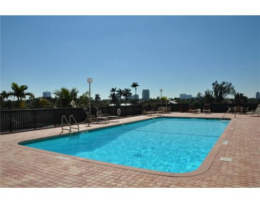 Four Seasons Condos Fort Lauderdale - Pool