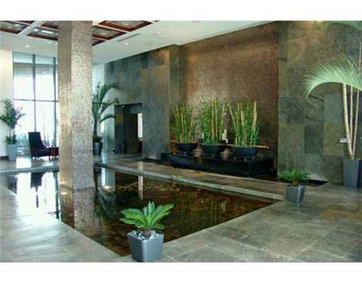 Las Olas River House Condos - Lobby Pond