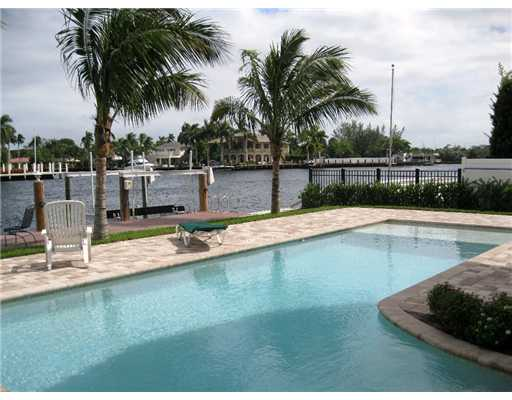 Fort Lauderdale Waterfront Homes - Pool and Intracoastal