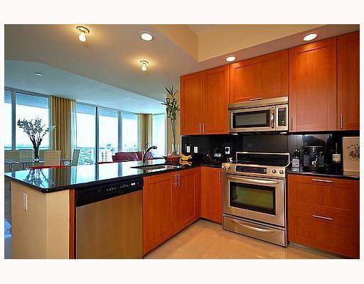 Strada 315 Fort Lauderdale - Kitchen