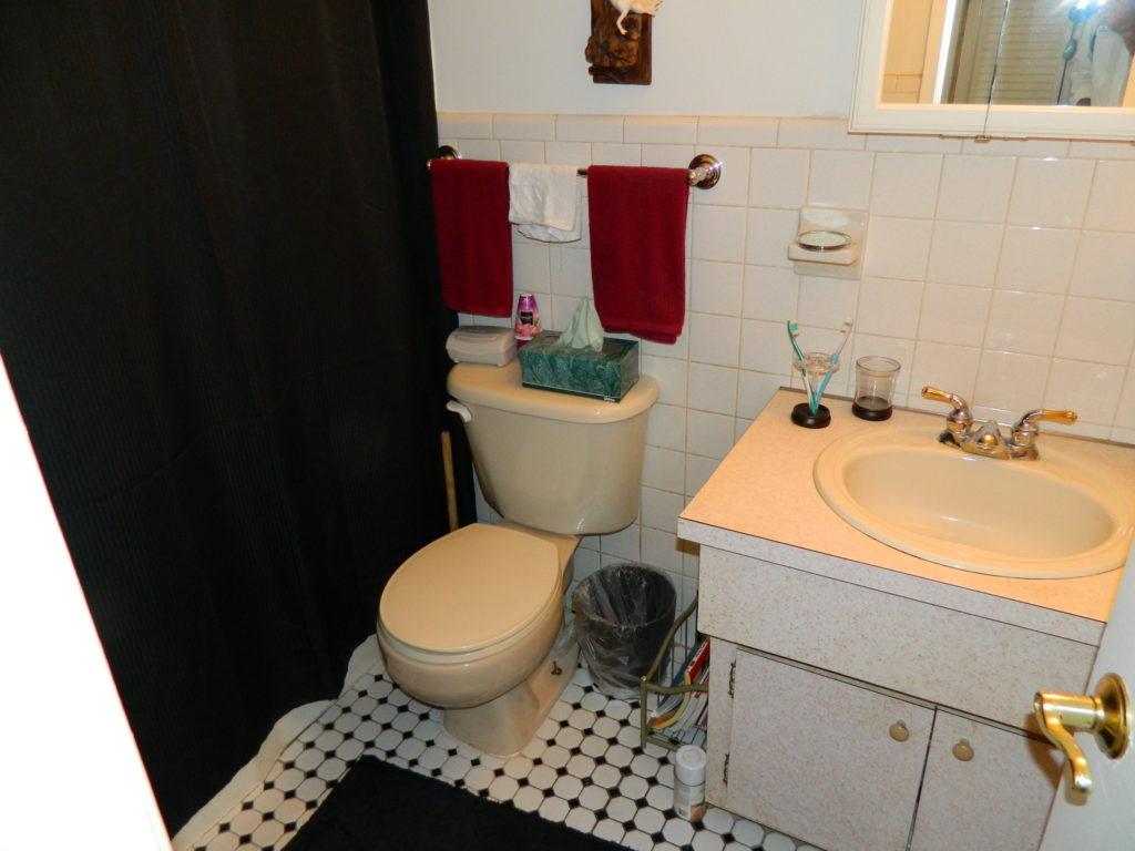 Oakland Park Condos Three Rivers - Bathroom