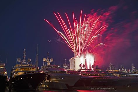 Fort Lauderdale Waterfront Homes | International Boat Show - Fireworks