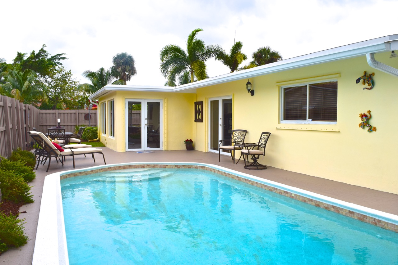 Wilton Manors Homes For Sale | 417 NW 21st Street - Pool