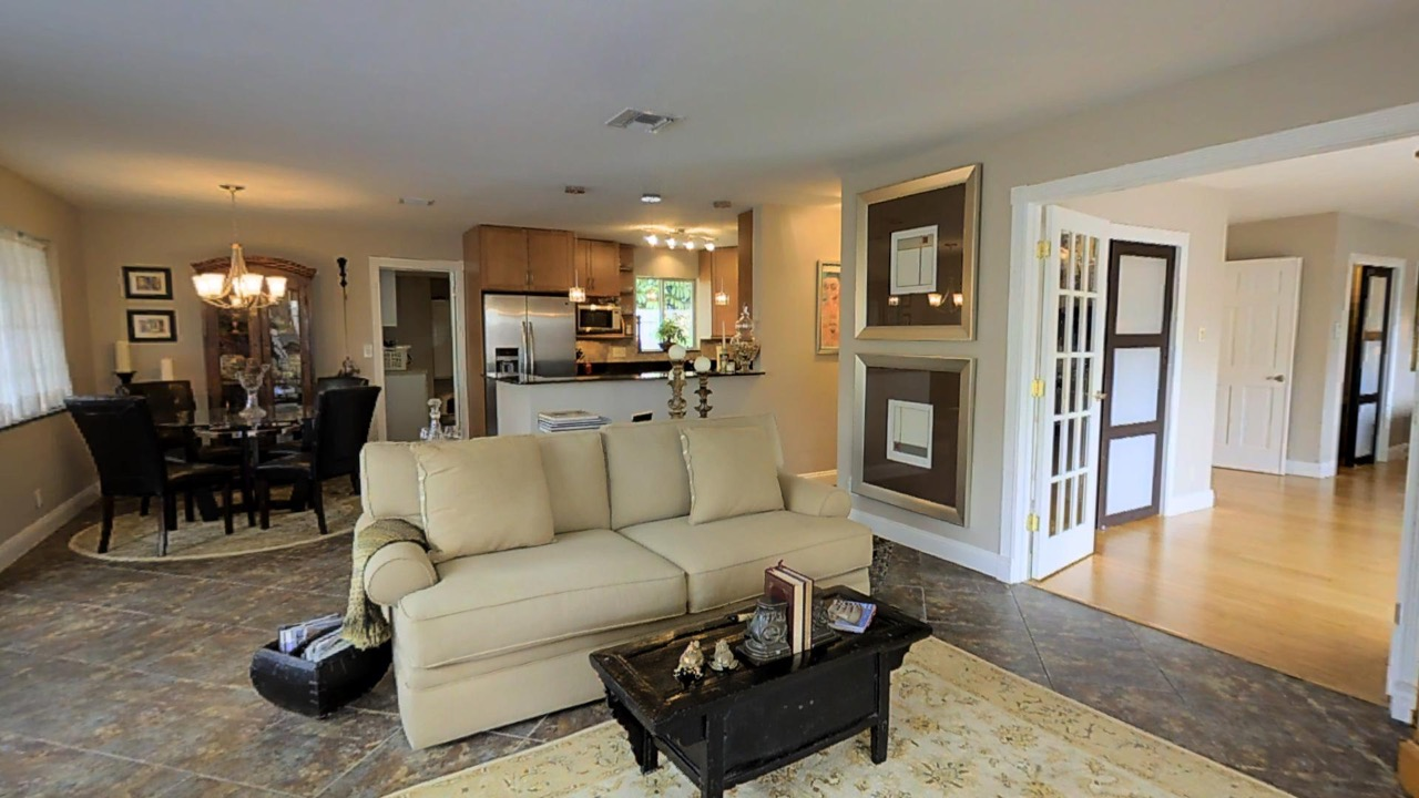 Wilton Manors Homes For Sale | 417 NW 21st Street - Living Room