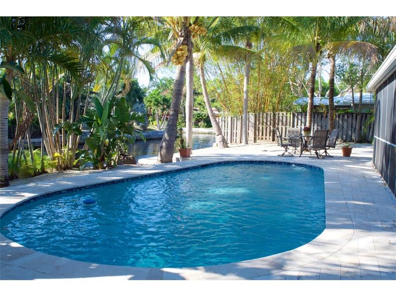 Oakland Park Home For Sale | 4031 NE 16th Terrace - Pool