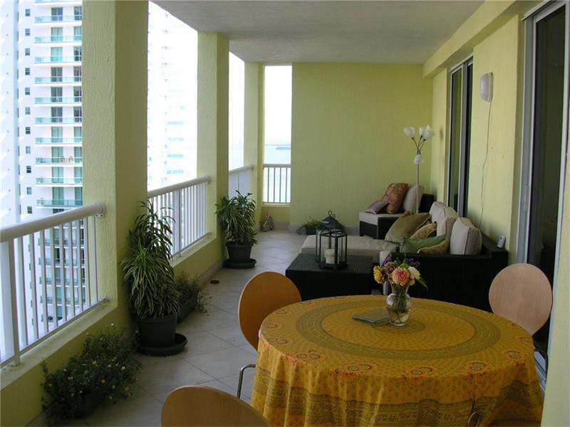 170 SE 14th Street #2201 Balcony
