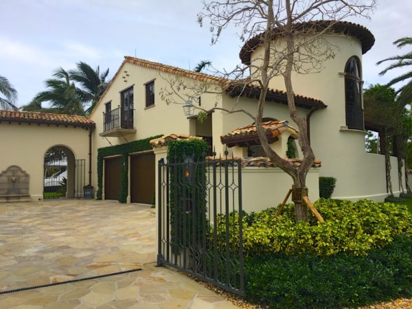Fort Lauderdale Waterfront Homes - 615 Lido Drive - Guest House and garage