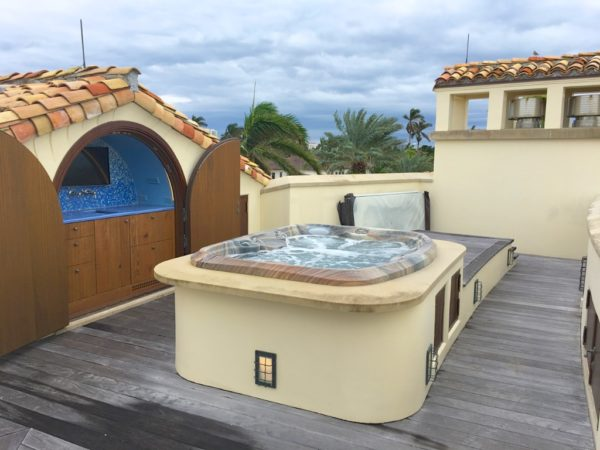 Fort Lauderdale Waterfront Homes - 615 Lido Drive - Rooftop deck hot tub