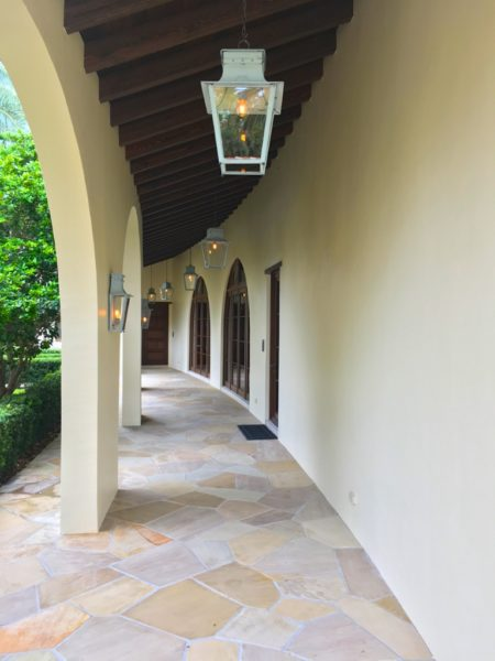 Fort Lauderdale Waterfront Homes - 615 Lido Drive - Hall to front door