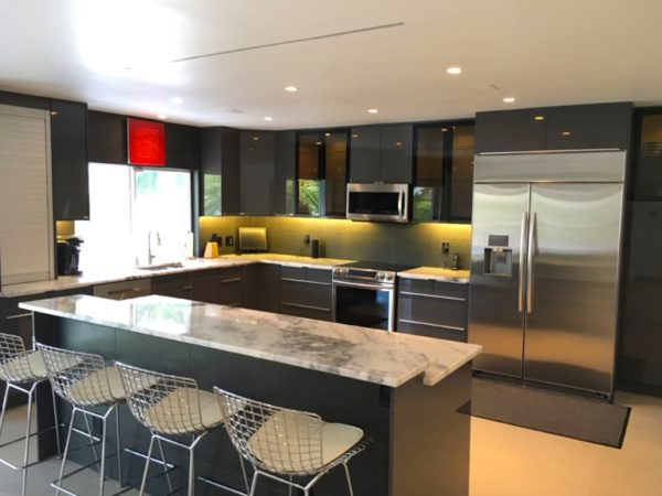 Fort Lauderdale Waterfront Home - Kitchen