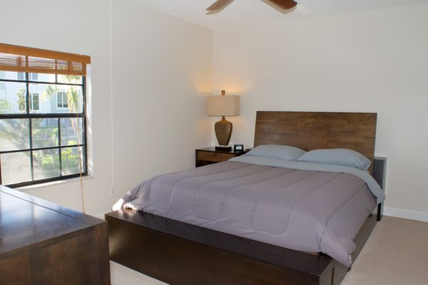 Wilton Manors townhome - Master Bedroom- 210