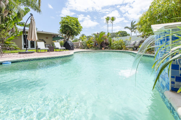 Oakland Park Home - 4010 NE 13th Ave - Pool