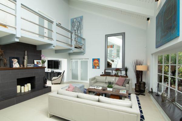 2660 NE 37th Drive - Living Area