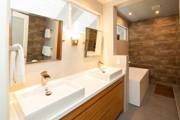 2660 NE 37th Drive - Master Bath