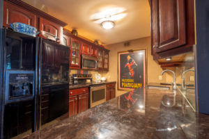 Manor Grove Village Condos - 117L - Kitchen