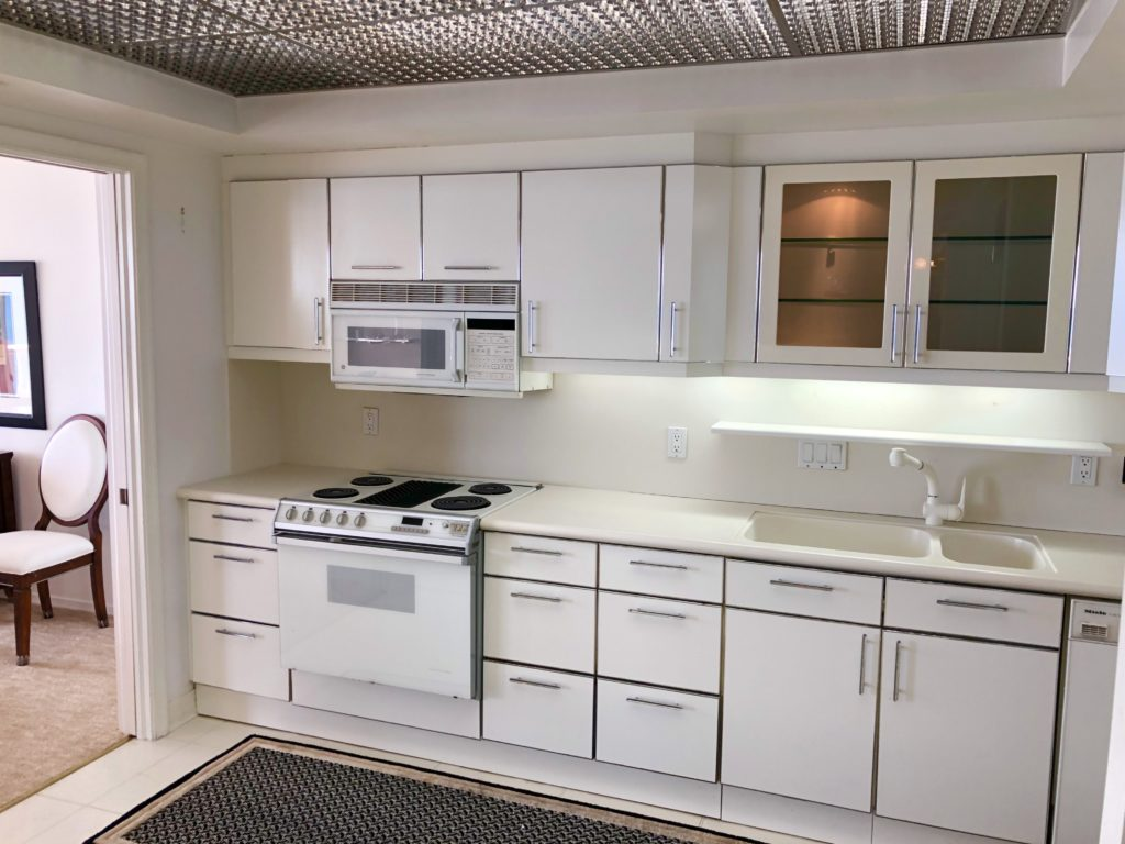 Point of Americas - Unit 2904 Kitchen