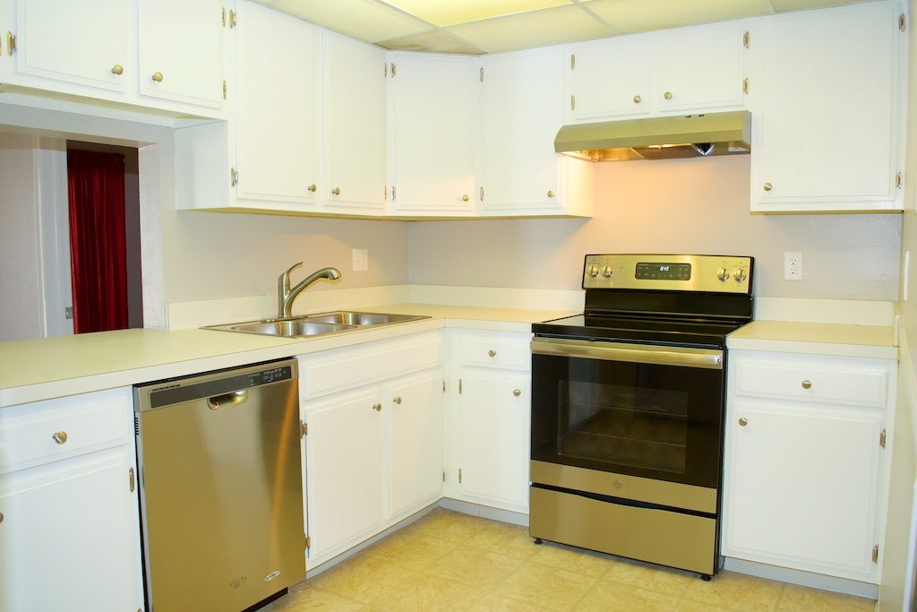 Top of the Mile - 114 Kitchen
