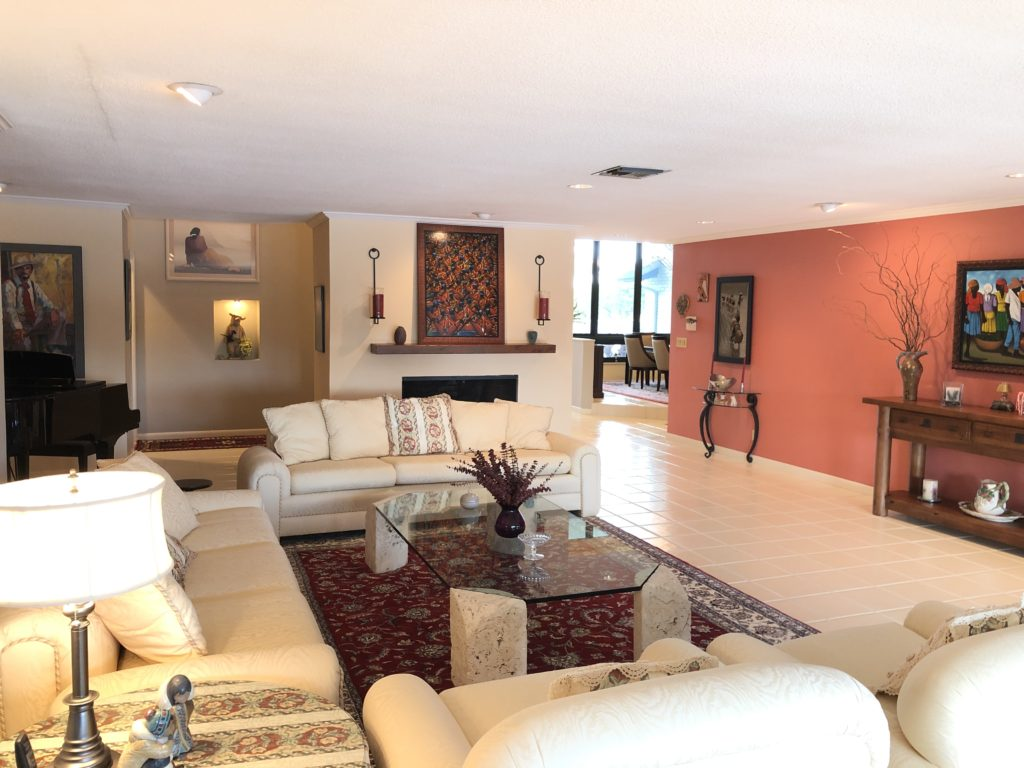 Fort Lauderdale Waterfront Home - Living Room