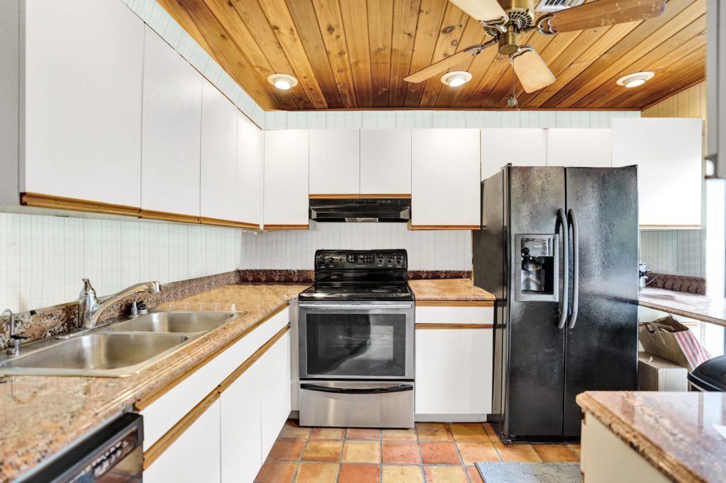 Wilton Manors Townhome - Kitchen